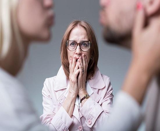 عوامل خانوادگی خیانت زناشویی