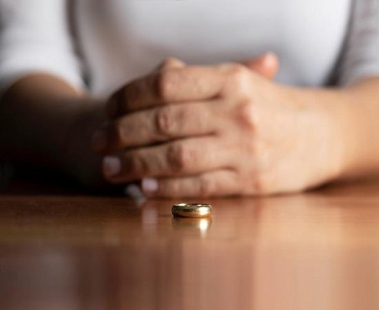 چگونه به خیانت همسر پی ببریم