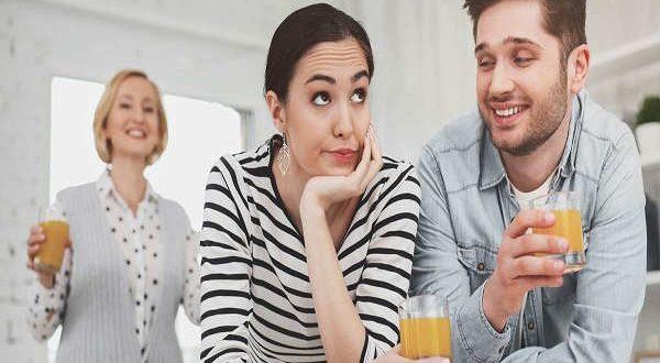 از دست مادر شوهرم چیکار کنم؟ + 5 راهکار مهم