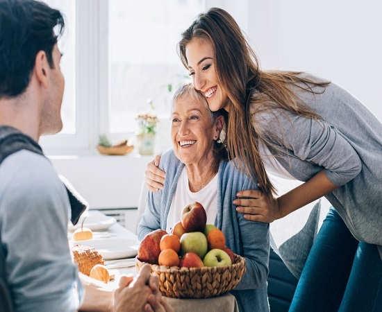 زیرکانه عمل کردن از دوازده نکته مهم برای جذب مادر شوهر